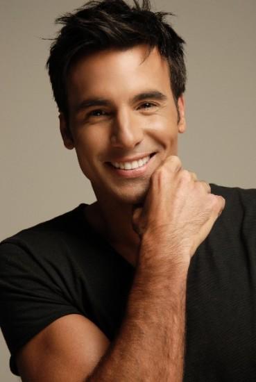 самые красивые латиноамериканские актеры мужчины бассейну